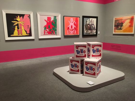 andy-warhol-pop-society-exhibition-view-at-palazzo-ducale-genova-560x420